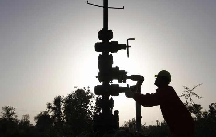 Oil-to-fund-50-crores-in-new-projects-related-to-oil-and-gas-sector-compressed
